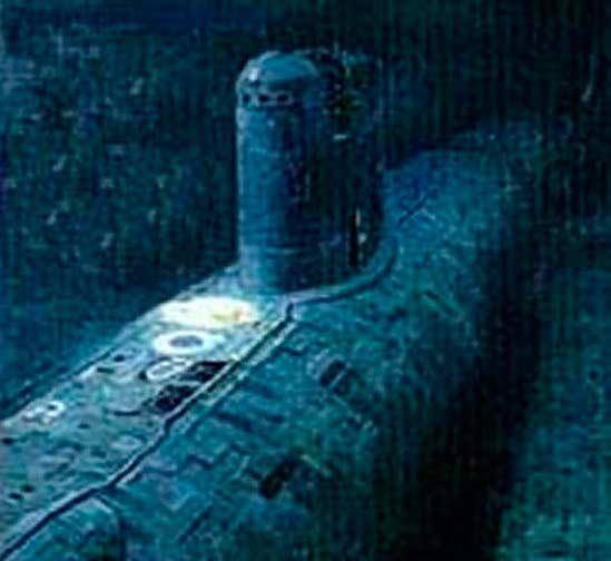 """""""Комсомолец"""" на дне Норвежского моря. Фото сделано исследовательским батискафом """"Мир"""""""
